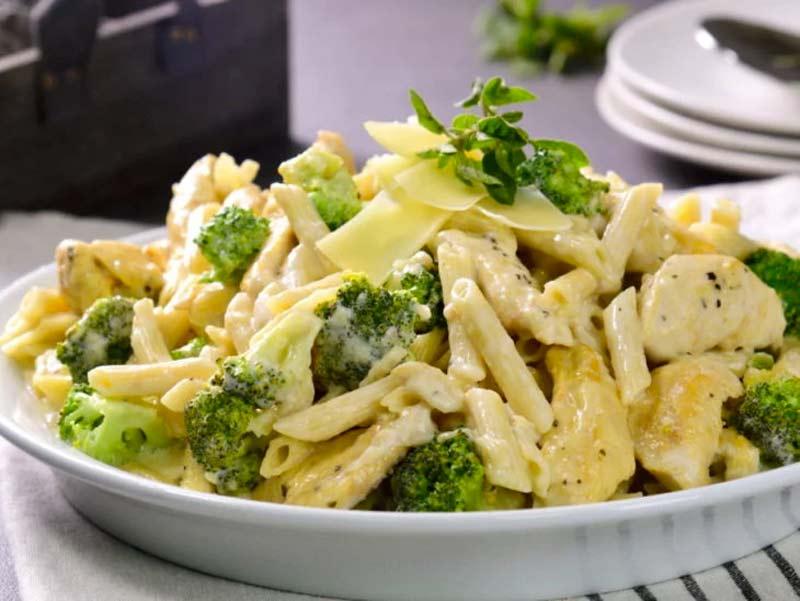 frango-alfredo-com-brocolis-reeceita