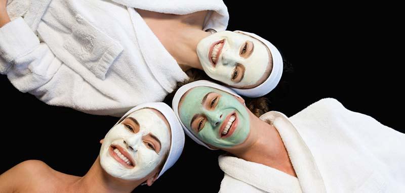 mascara-argila-branca-verde-diferenca-beneficios-cuidados-pele