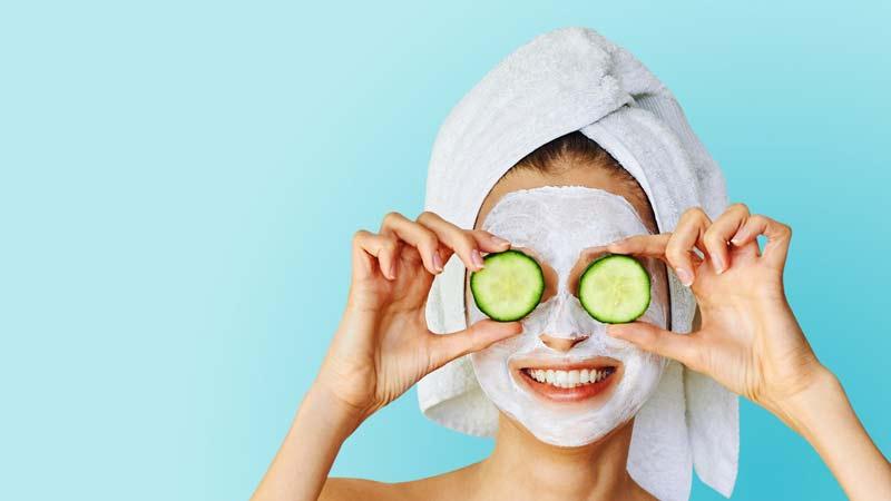 mascara-facial-tratamentos-beleza-pele-argila-branca