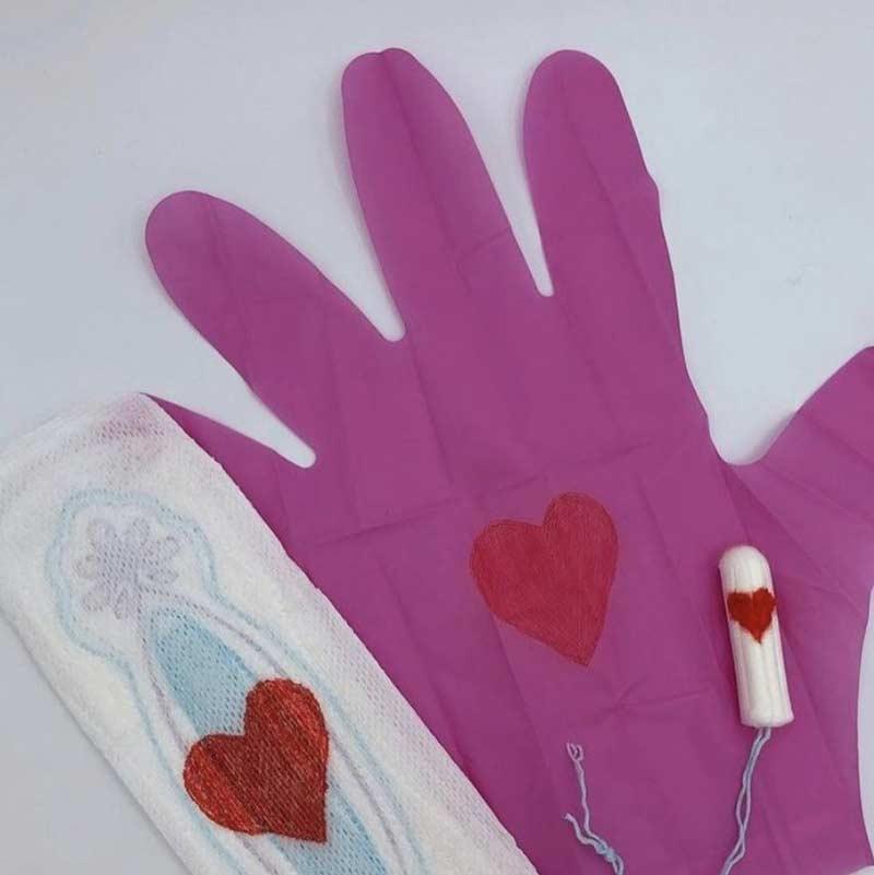 pink-glouves-luvas-para-retirar-absorvente