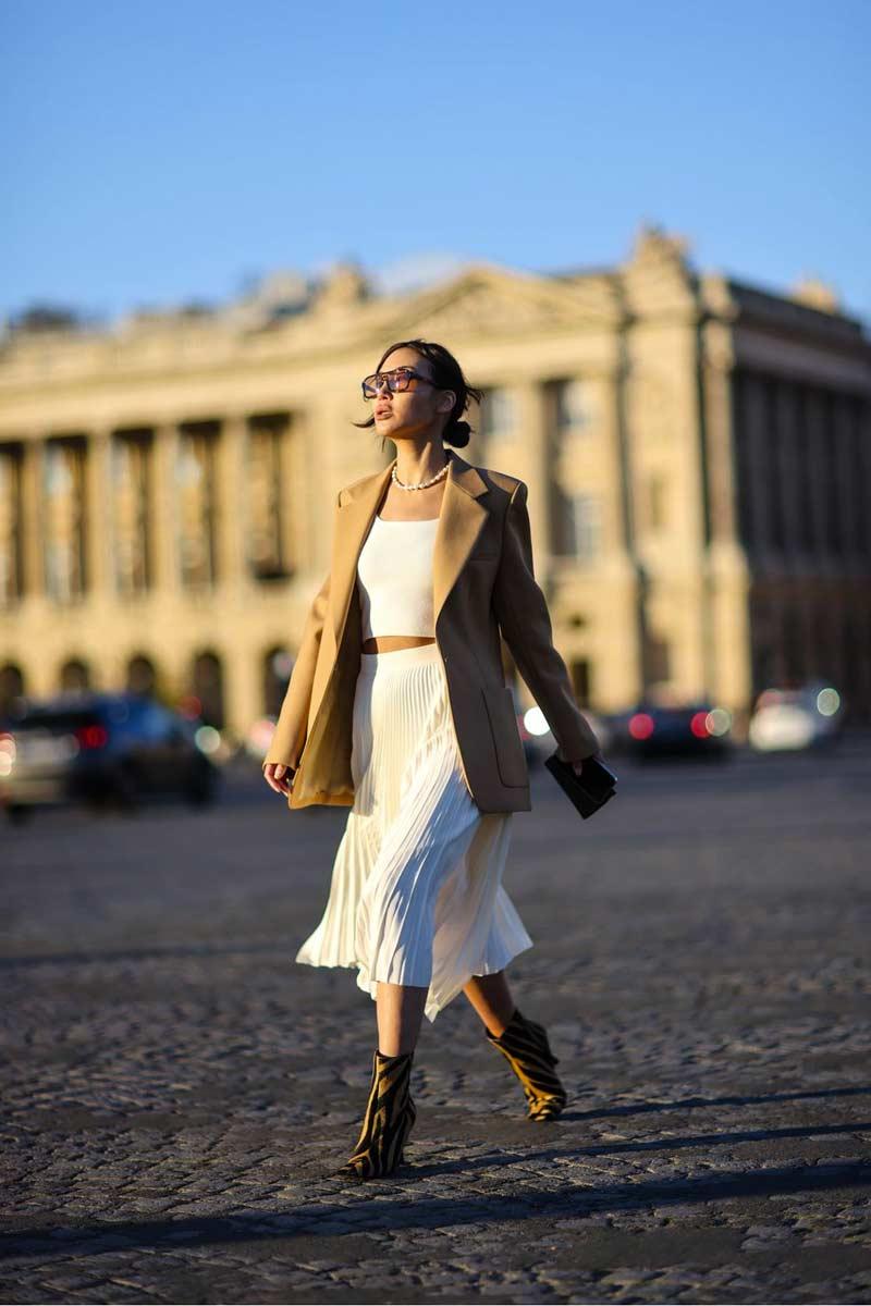 tendencia-moda-2010-saia-plissada-midi