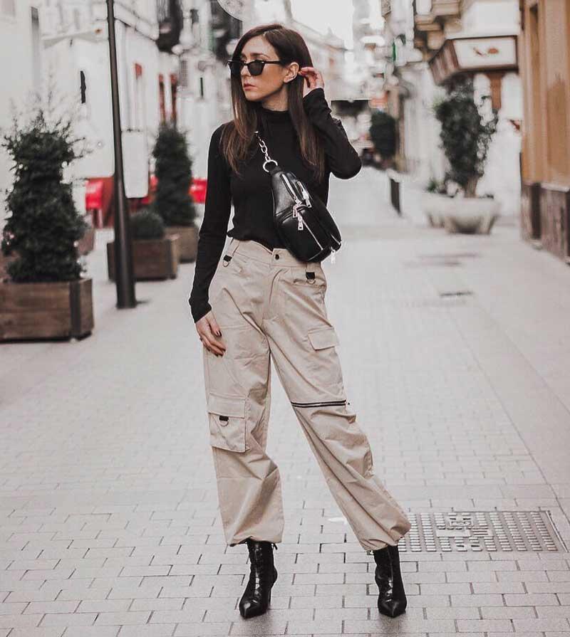 calca cargo bege blusa manga comprida preta looks pochete
