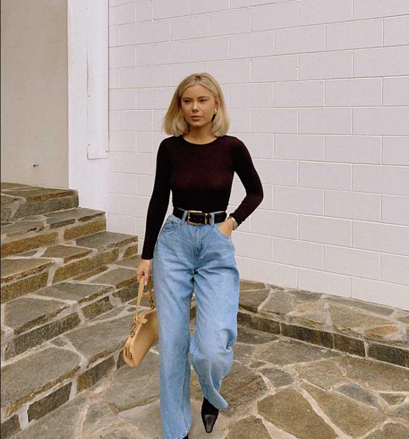 calça mom jeans blusa básica preta manga comprida