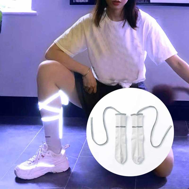 meia techwear feminina refletiva