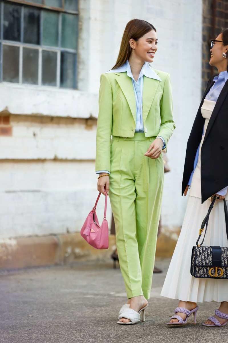 look social calca terno blazer cropped mulheres altas