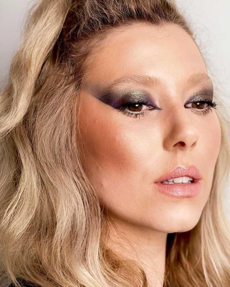 maquiagem marcante nos olhos sobrancelha descolorida