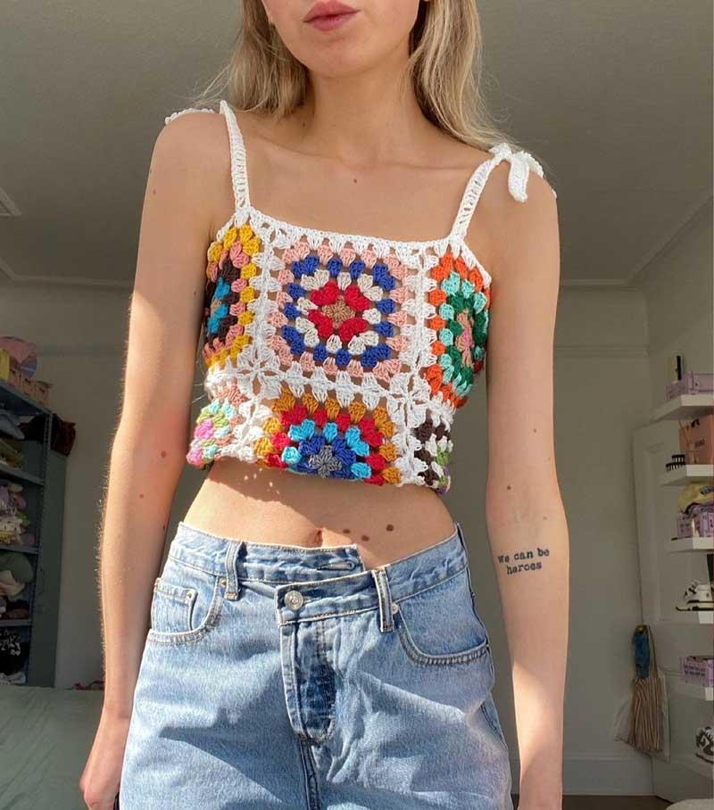 blusa de crochê feminina tendência calça mom jeans