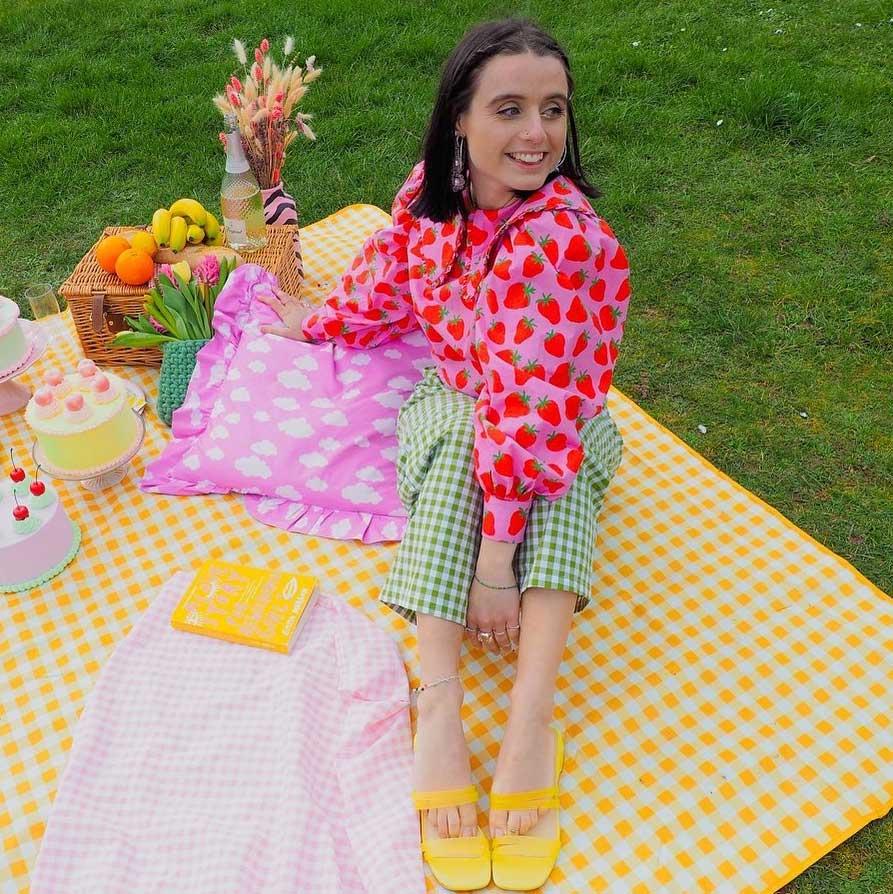 como combinar verde rosa calca xadrez vichy camisa estampa de morango