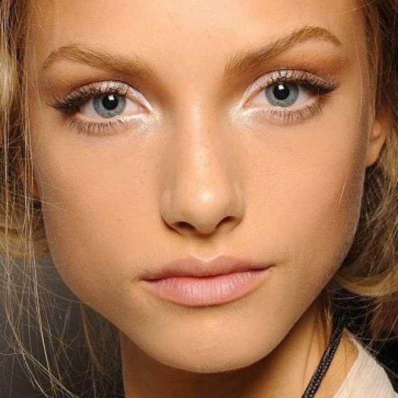 maquiagem pálpebra caída ponto de luz canto interno dos olhos