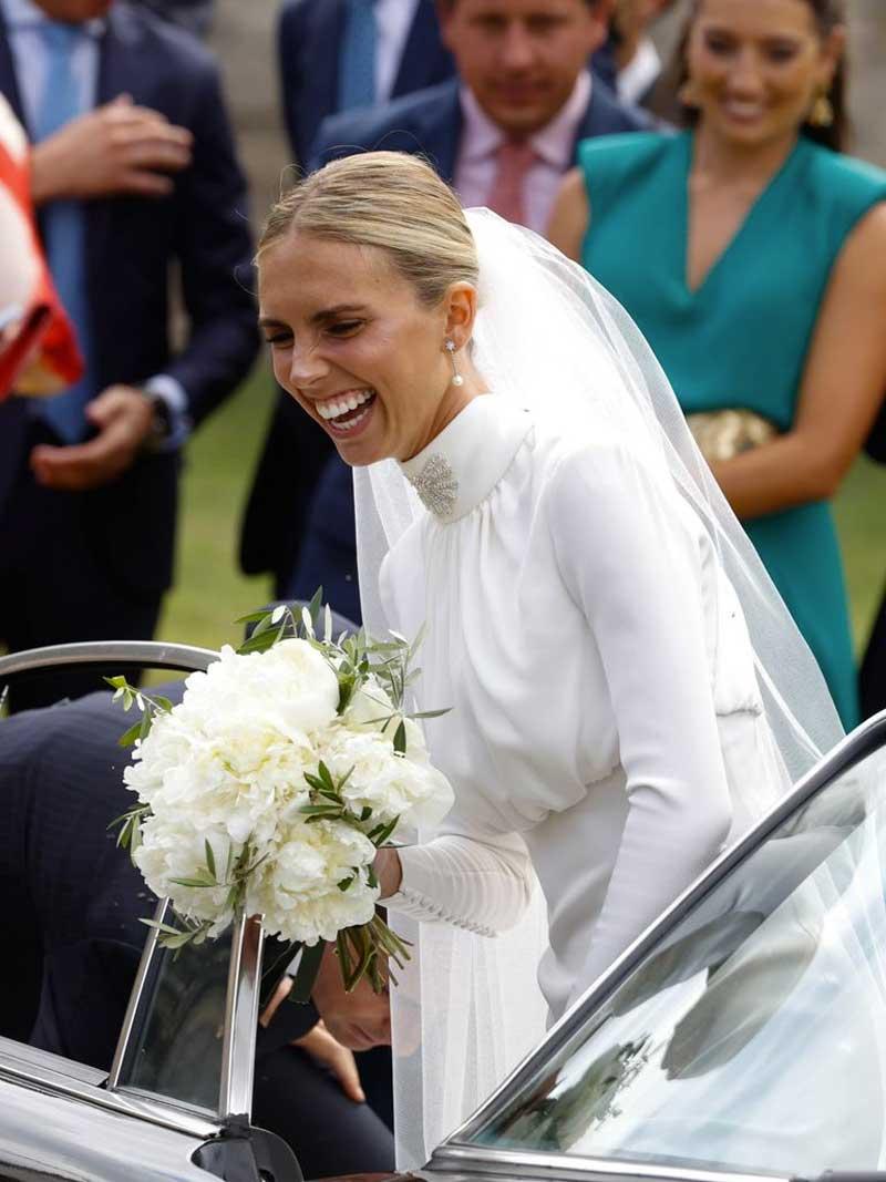 vestidos de noiva com gola alta recatados prudecore